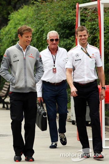 Jenson Button, McLaren with father John Button, and Mike Collier, Personal Trainer