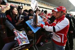 Felipe Massa, Ferrari signs autographs for the fans