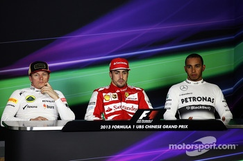 The FIA Press Conference, Lotus F1 Team, second; Fernando Alonso, Ferrari, race winner; Lewis Hamilton, Mercedes AMG F1, third