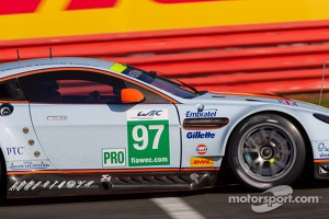 #97 Aston Martin Racing Aston Martin Vantage V8: Stefan Mucke, Bruno Senna, Darren Turner