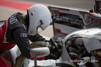 #2 Audi getting refueled