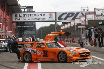 #29 Seyffarth Motorsport Mercedes SLS AMG GT3: Duda Rosa, Paulo Bonifacio