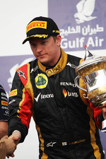 kimi-raikkonen-lotus-f1-team-celebrates-his-second-position-on-the-podium-2