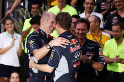 Race winner Sebastian Vettel, Red Bull Racing celebrates with Adrian Newey, Red Bull Racing Chief Technical Officer and the team