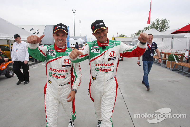 2nd position Tiago Monteiro, Honda Civic Super 2000 TC, Honda Racing Team Jas and Gabriele Tarquini, Honda Civic, Honda Racing Team J.A.S.  pole position