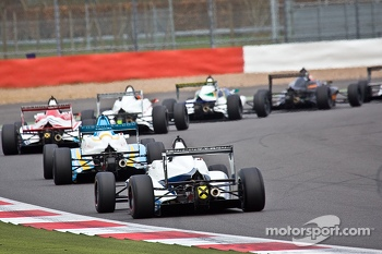 F4 cars through vale