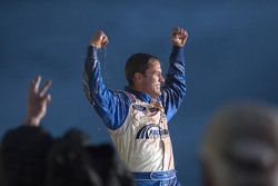 Victory lane: race winner David Ragan, Frontrow Motorsports Ford