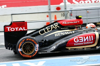 Romain Grosjean, Lotus F1 rear wing and exhaust