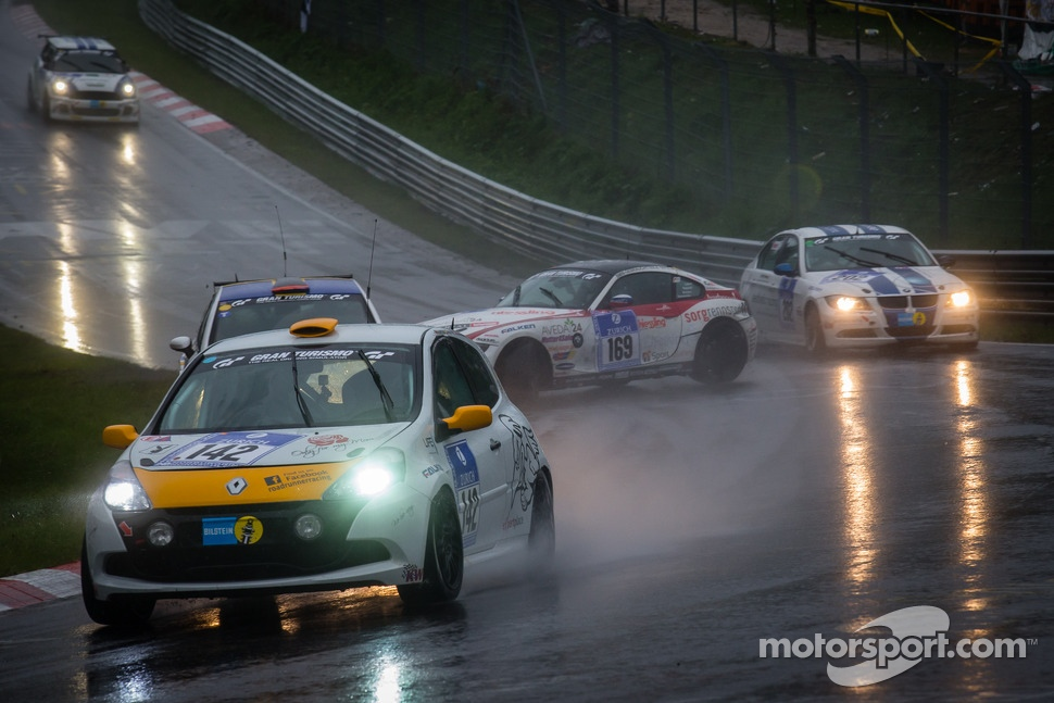 http://cdn-4.motorsport.com/static/img/mgl/1500000/1550000/1558000/1558900/1558954/s1_1.jpg