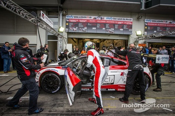 Pit stop for #2 Abt Team Mamerow Audi R8 LMS ultra (SP9): Christian Mamerow, Thomas Mutsch, René Rast, Marc Basseng