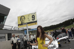 Gridgirl of Christian Vietoris, Mercedes AMG DTM-Team HWA DTM Mercedes AMG C-Coupe