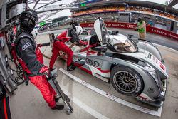 #3 Audi Sport Team Joest Audi R18 e-tron quattro: Marc Gene, Oliver Jarvis, Lucas di Grassi