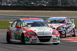 Mehdi Bennani, BMW E90 320 TC, Proteam Racing leads Tom Coronel, BMW E90 320 TC, ROAL Motorsport
