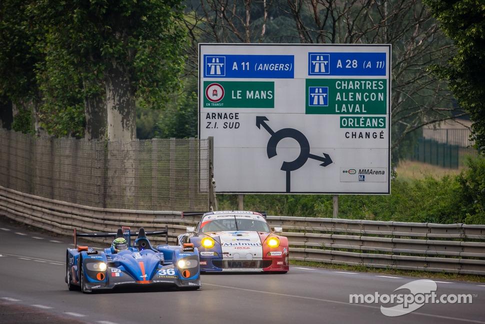 #36 Signatech-Alpine Alpine A450-Nissan: Pierre Ragues, Nelson Panciatici, Tristan Gommendy
