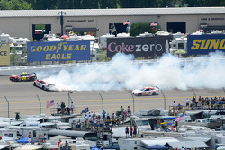 Trouble for Bobby Labonte and Jeff Gordon