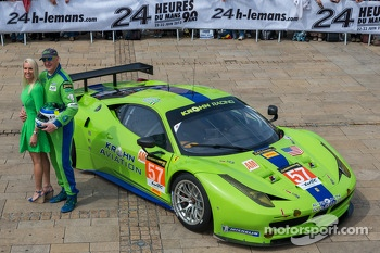 #57 Krohn Racing Ferrari F458 Italia: Tracy Krohn with his wife