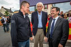 Pontlieue hairpin recreation event: Emmanuel Collard, Le Mans mayor Jean-Claude Boulard and ACO President François Fillon