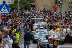 Huge crowds on hand for Grande Parade des Pilotes
