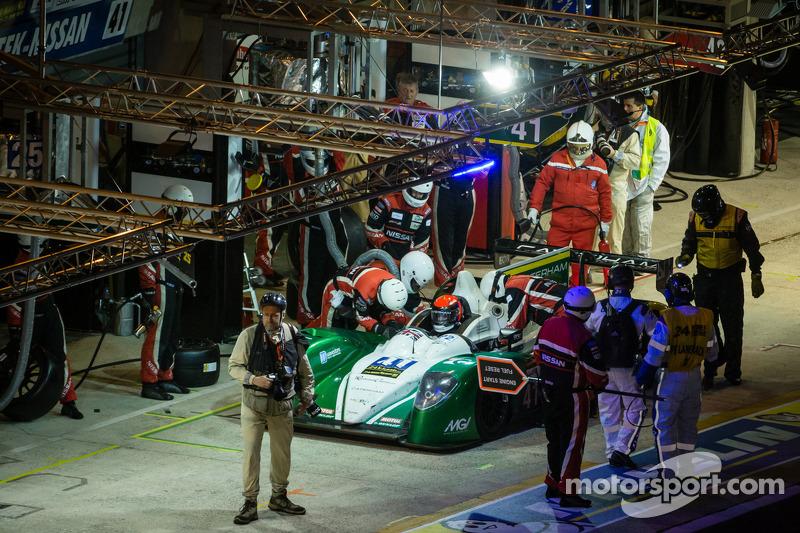 Pit stop for #41 Greaves Motorsport Caterham Motorsport Nissan: Alexander Rossi, Eric Lux, Tom Kimber-Smith