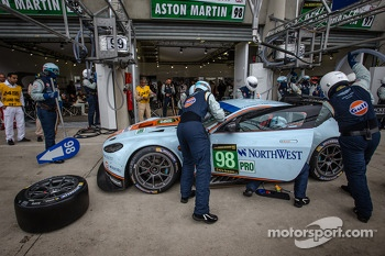 Pit stop for #98 Aston Martin Racing Aston Martin Vantage GTE: Bill Auberlen, Paul Dalla Lana, Pedro Lamy