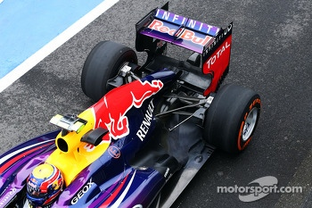 Mark Webber, Red Bull Racing RB9 rear wing and rear suspension