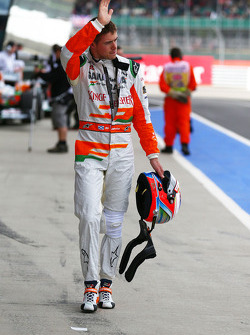 Paul di Resta, Sahara Force India F1 waves to the fans