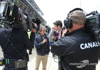 Alain Prost, and Thomas Senecal, Canal+ F1 Chief Editor and TV Presenter