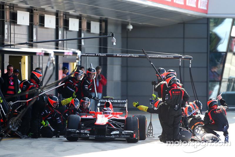 Max Chilton Marussia F1 Team pit stop