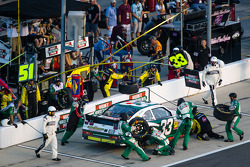 Pit stop for Ty Dillon