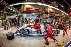 #1 Audi Sport Team Joest Audi R18 e-tron quattro: Marcel Fässler, Andre Lotterer, Benoit Tréluyer