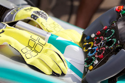 Nico Rosberg's Gloves & Wheel