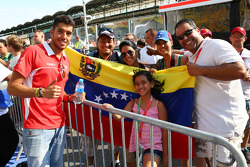 Rodolfo Gonzalez, Marussia F1 Team Reserve Driver with fans