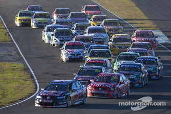 Race start: Jamie Whincup, Red Bull Holden leads