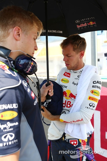 Sebastian Vettel, Red Bull Racing with Heikki Huovinen, Personal Trainer on the grid