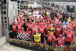 Race winner Ryan Newman, Stewart-Haas Racing Chevrolet celebrates with team