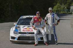 Ekström and Ogier swap cars