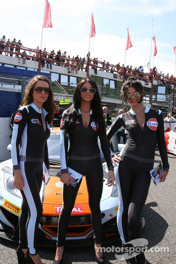 Gulf promotion girls