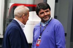 Werner Heinz, Driver Manager of Nico Hulkenberg, Sauber with Luis Garcia Abad, Driver Manager of Fernando Alonso, Ferrari