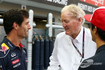 Mark Webber, Red Bull Racing with Ron Walker, Chairman of the Australian GP Corporation and Daniel Ricciardo, Scuderia Toro Rosso