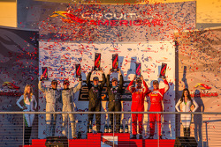 GTC podium: class winners Ben Keating and Damien Faulkner, second place Henrique Cisneros and Sean Edwards, third place Patrick Dempsey and Andy Lally