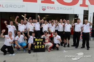 Celebration, Yvan Muller, Chevrolet Cruze 1.6T, RML WTCC Champion 2013