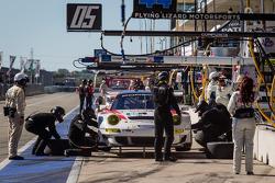 Pit stop for #06 CORE autosport Porsche 911 GT3 RSR: Patrick Long, Colin Braun