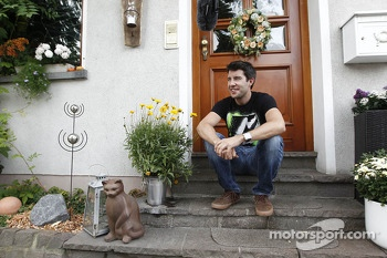 Mike Rockenfeller visits his home