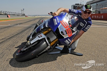 Jorge Lorenzo, Yamaha Factory Racing and the lean angle demonstration