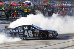 Race winner Jimmie Johnson, Hendrick Motorsports Chevrolet