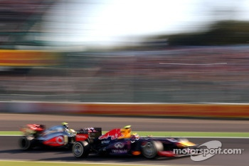 Mark Webber, Red Bull Racing and Sergio Perez, McLaren Mercedes