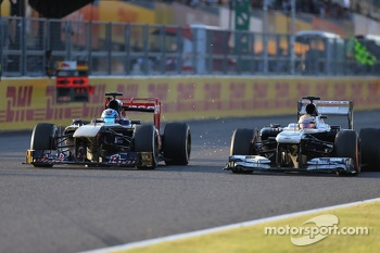Jean-Eric Vergne, Scuderia Toro Rosso  and Pastor Maldonado, Williams F1 Team