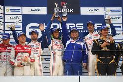 Podium: race winners Alexander Wurz, Nicolas Lapierre, Kazuki Nakajima, second place Tom Kristensen, Allan McNish, Loic Duval, third place Andrea Belicchi, Mathias Beche