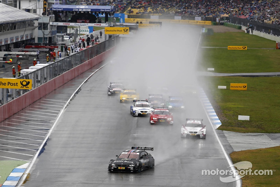 Start of the Race BRUNO SPENGLER, BMW TEAM SCHNITZER BMW M3 DTM leads
