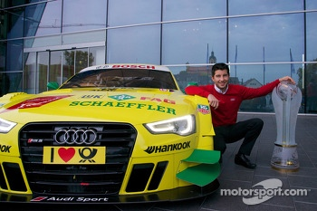 2013 champion Mike Rockenfeller visits the Audi factory